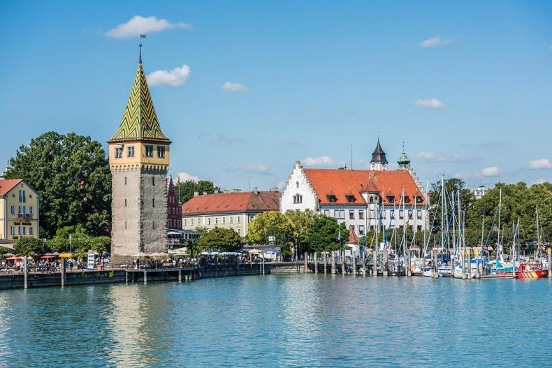 Lindau am Bodensee - Bild © @dvoevnore via Twenty20