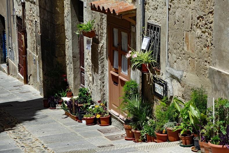 Cagliari und Alghero