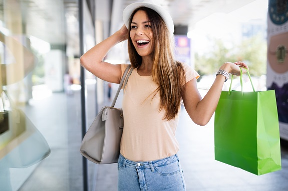 Shopping - © nd300  - Envato Elements Pty Ltd.